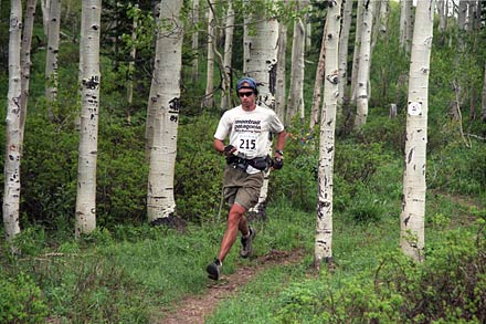 Karl Meltzer breezes through mile 40 of Utah's Squaw Peak 50 trail run